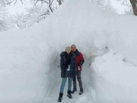 冬のかまくら体験は最高に楽しいです。