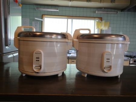 20合炊き大型炊飯器2台/レンジ2台