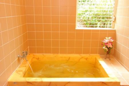 内風呂は24時間入れる薬湯風呂