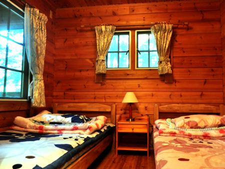 1st1階寝室。ベットなので起きるのも楽