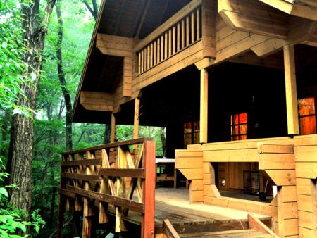 2階建てログハウス山荘です