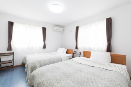 1号棟 寝室 ダブルベッド×6