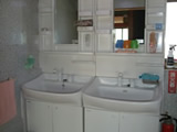 2F洗面台です&