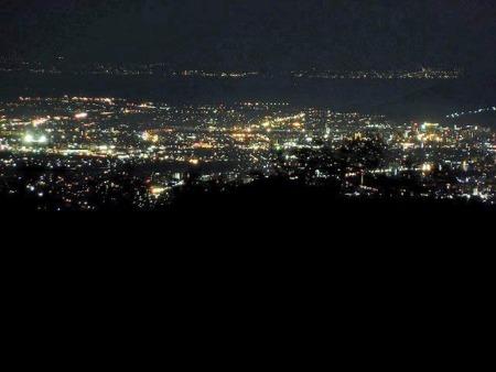 天空ハウスからの熊本市内の夜景。