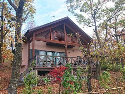 木立ハウスの全景。2階建てです。
