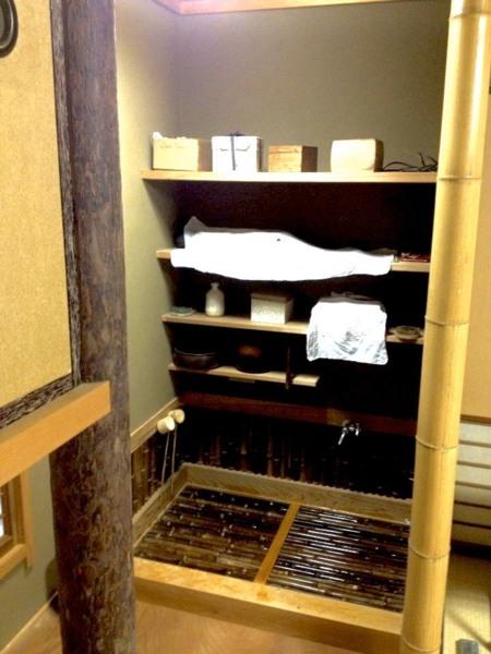 一階和室の茶道具