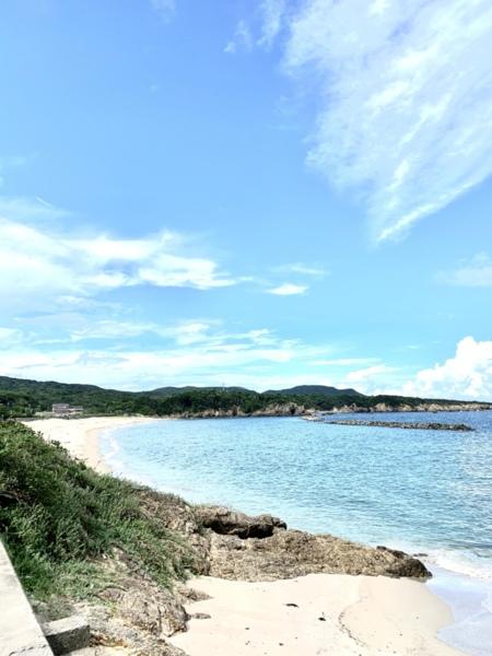 車で3分の場所にある千鳥ケ浜海水浴場