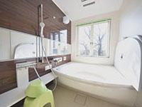 森林浴も楽しめる、1号棟温泉付お風呂