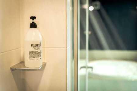デッキのプライベート空間で森林浴