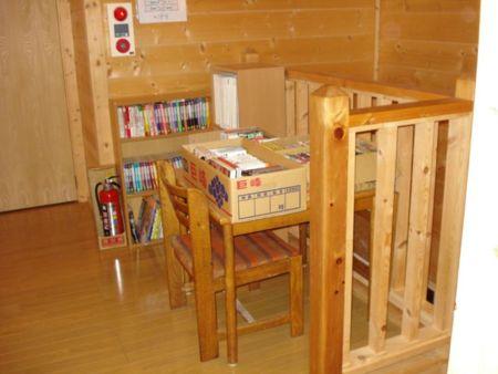 2階廊下読書コーナー