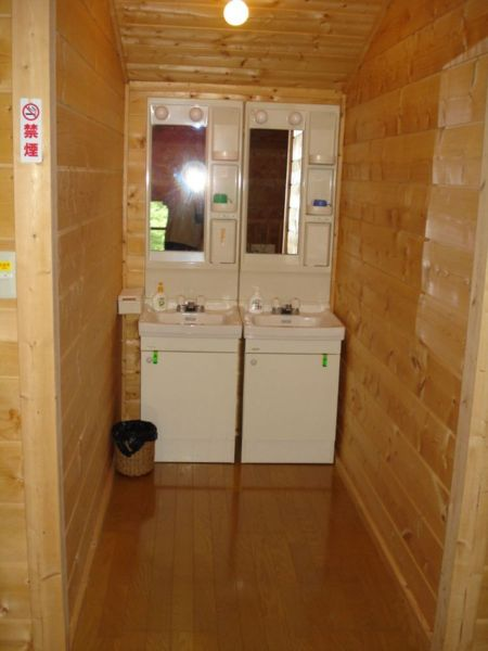 2階洗面コーナー(2面)