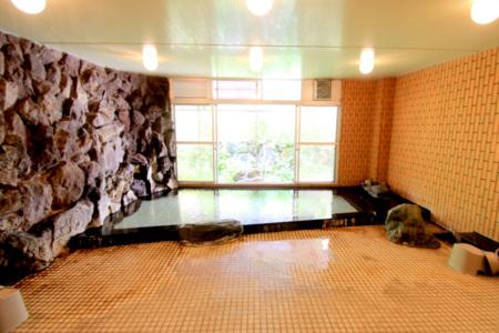 大浴場。泳げるくらい広いのです
