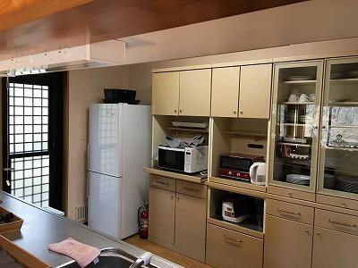 冷蔵庫、電子レンジ、調理用具一式