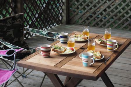 ウッドテラスで食べる朝ごはんは美味しい!