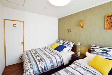 寝室2はダブルベッド2台