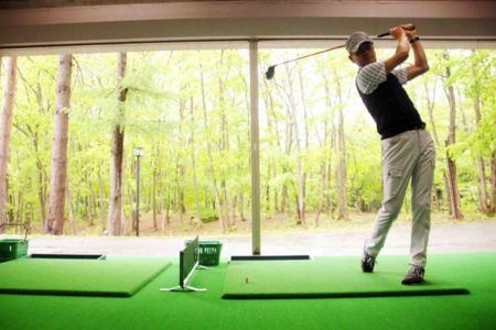屋内ゴルフ練習場