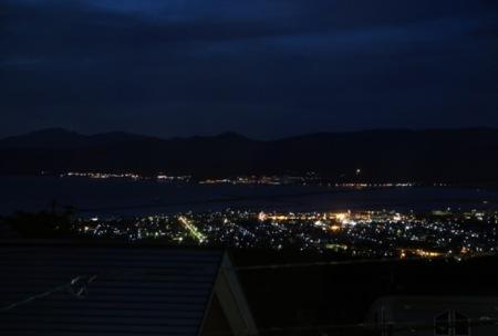 岩内港の漁火と夜景のロケーションが一望
