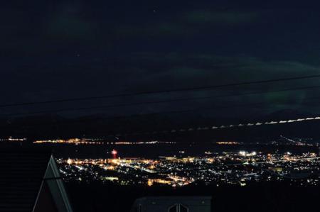 ロフトから見える漁火と夜景が絶景