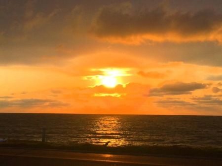 岩内港からの夕日