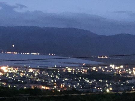 リビングからの夕方の夜景