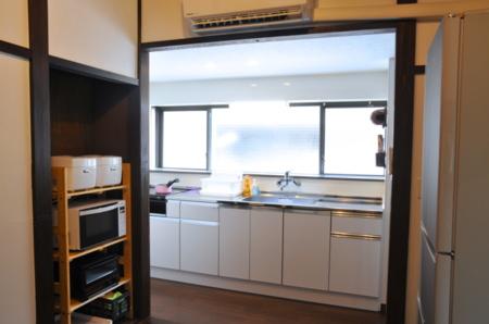 キッチンスペース。幅広で快適