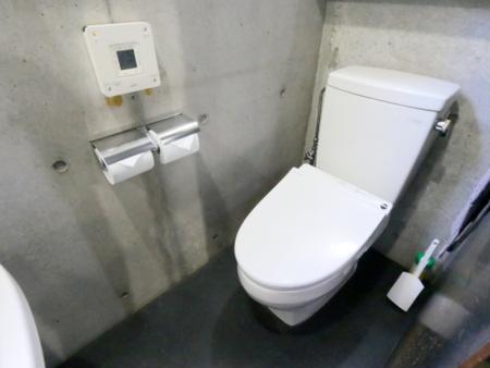 トイレ(2か所ございます)