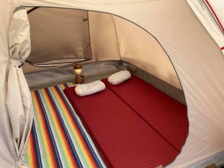 西日を避けてクールファンで快適テント