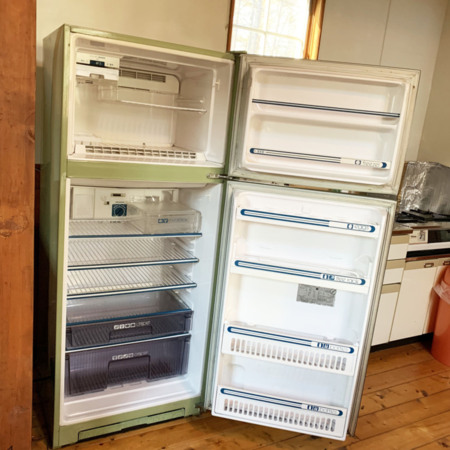 キッチン棟の冷蔵庫