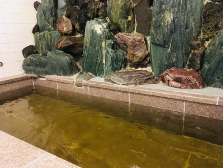 鉱泉使用。男女2箇所あります。