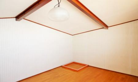 隠れ家的なロフトルーム