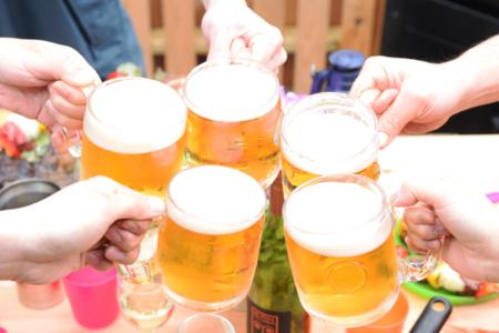生ビール乾杯!ジョッキ冷えてます。