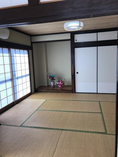 和室の続き間 床の間 畳スペース