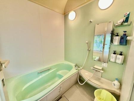 南国調の浴槽でリラックスタイムを♪