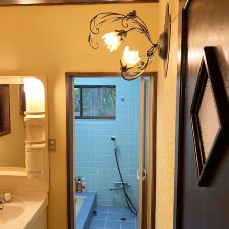 洗面所のアンティークライト