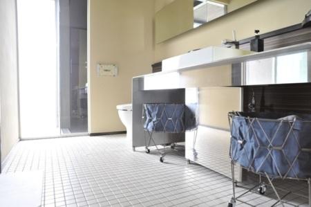 広々とした洗面スペース