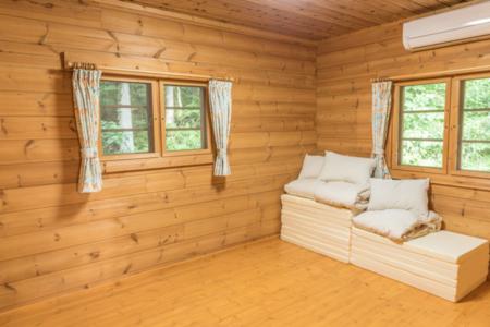 寝室 1F