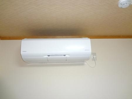 2F寝室は冷暖房完備