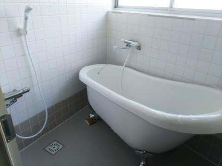 浴室 猫足浴槽でゆったりと