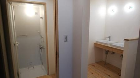 シャワールーム、洗面