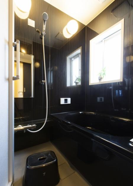 バスタブありのバスルーム、WCは別です