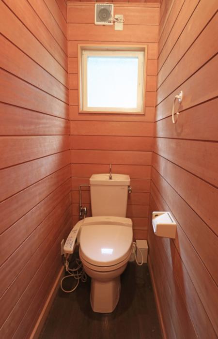 ウォシレット付きのトイレ