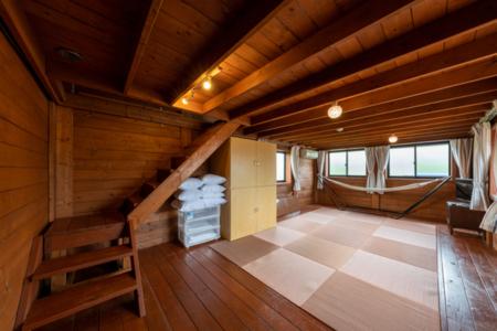 居間としても使える畳の部屋