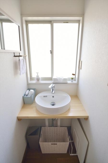 1階の明るい洗面スペース