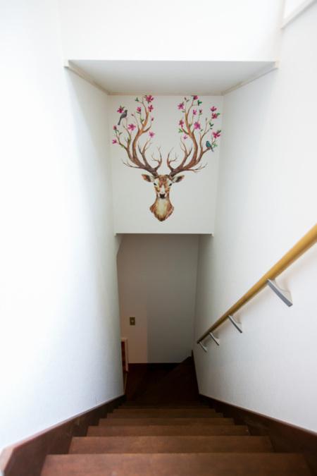 採光の良い明るい階段です