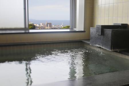 温泉からも海が見えます。