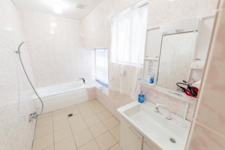 バスルームも広くてきれいですよ♪