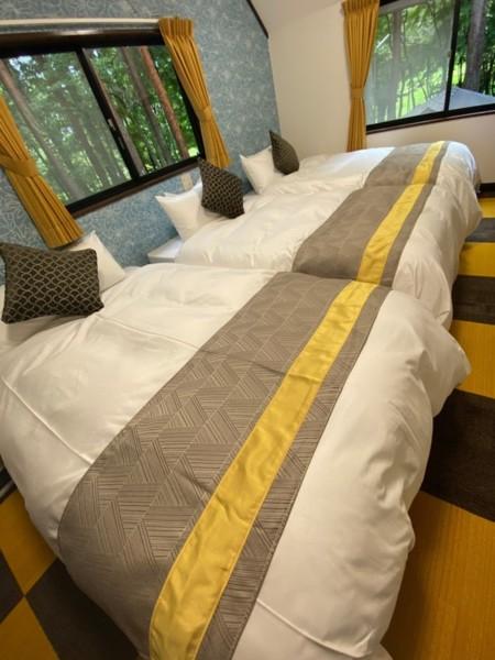 2階洋室(ベッド3台)