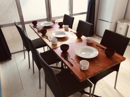 2階ダイニングテーブル