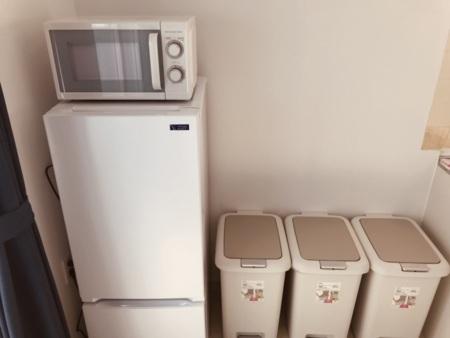 2階冷蔵庫、電子レンジ