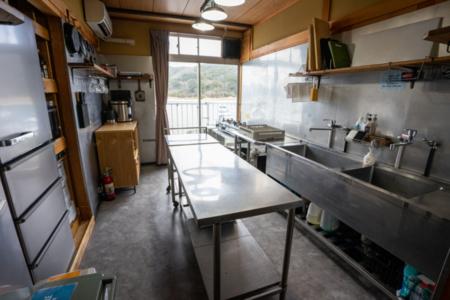 【キッチン】調理器具とお皿類も常備